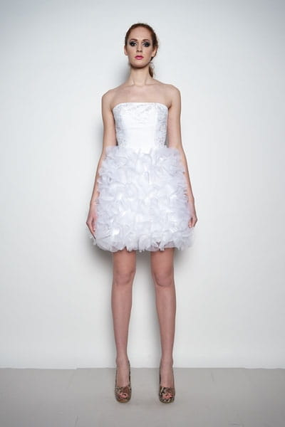 Daisy Krótka Suknia ślubna Z Koronką I Aplikacjami